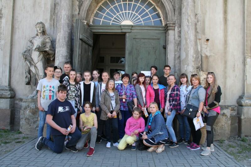 Ogresgala pamatskolas skolēni un pedagogi Liepājas Sv.Trīsvienības katedrālē